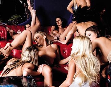 Private  porn video: Orgie lesbiennes avec 14 filles déchaînées