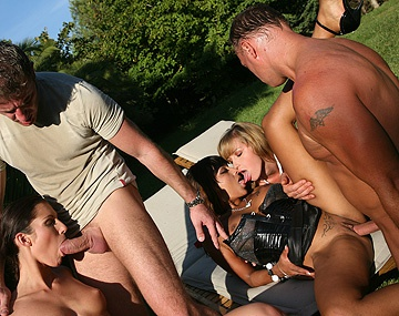 Private  porn video: Josette Most Kathy Campbel and Loona Luxx Outdoors Fucking and Sucking