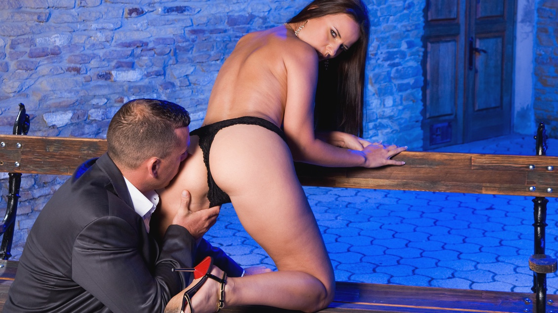 Claudia Rossi's after Dinner Ass-Fuck