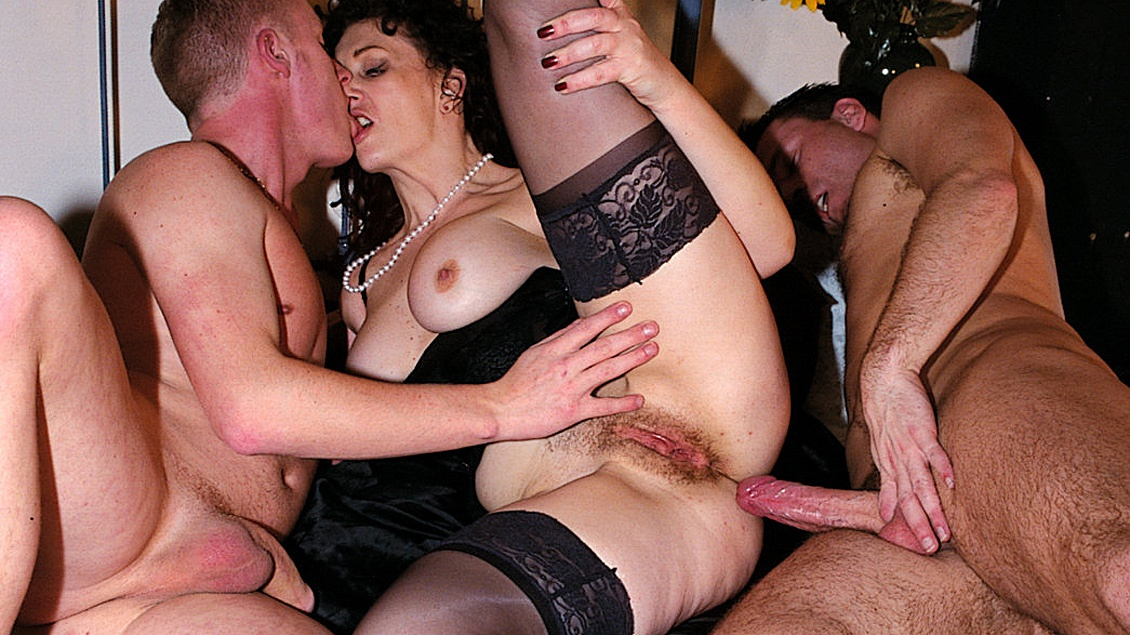 Watch Delightful Divorced Milf With Boss On Business Trip