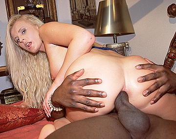 Private  porn video: Sandra Russo Shows Her Deep Sexual Interest in Chocolate Loving