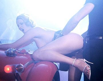 Private  porn video: Nikky Anderson wordt door haar vriend geneukt voordat ze zijn facial krijgt