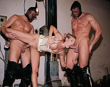Private  porn video: Blonde Victoria Swinger Gets DP after Giving Blowjob in MMF Threesome