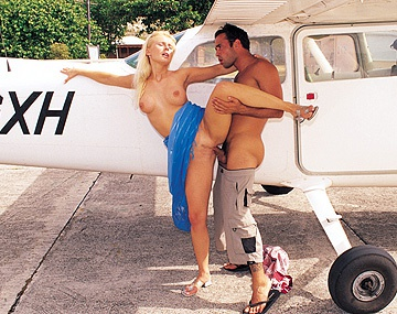 Private  porn video: Sandra Russo Has Her Pussy Penetrated up against a Plane before Anal