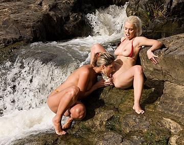 Private HD porn video: En el río tropical a Nesty y Daria Glover les dio por el sexo oral