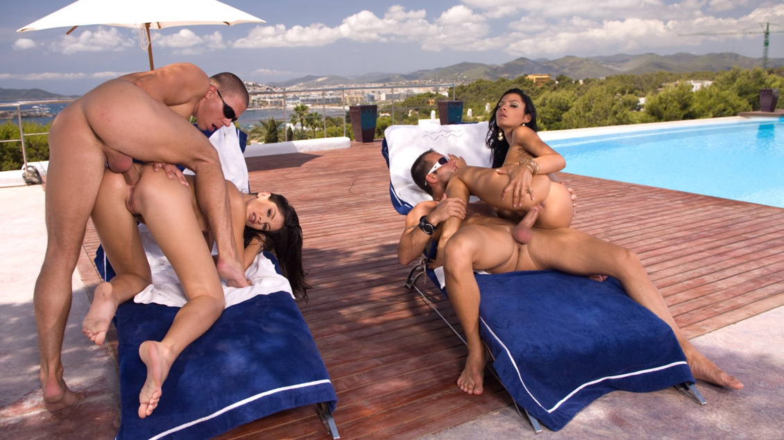 Brunette Bisexuals Lucy Belle and Lucy Lee Outdoors Giving Blow Jobs