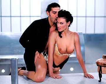 Private  porn video: ¡Ay Dios cómo folla Laura Angel!