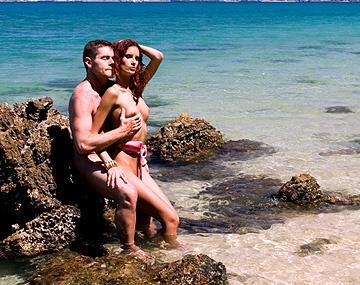 Private HD porn video: Leanna heeft hardcore anale sex op het strand