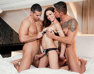 Private HD porn video: Mira Shine Gets a Valentine Surprise