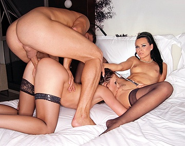 Private HD porn video: Pajas y polvos con Aletta Ocean y Suzie Diamond