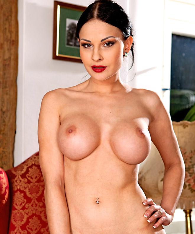 savannah-the-actress-nude-girls