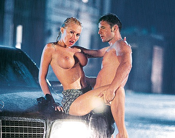 Private  porn video: Sexy and Horny Sandra Iron Gives Her Lover a Blowjob While in the Rain