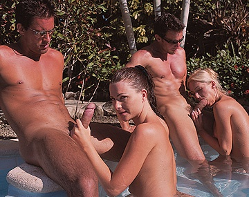 Private  porn video: Jessica Fiorentino and Sue Diamond Outdoor MMFF Foursome with Facials