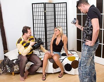 Private HD porn video: Vanessa Jordin en el cásting con su busto perfecto pasa del frío y empieza su carrera con un trío