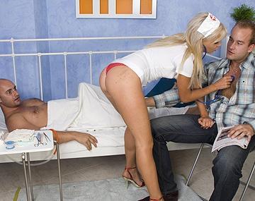 Private HD porn video: Una doble inyección es lo que le gusta a la enfermera putón