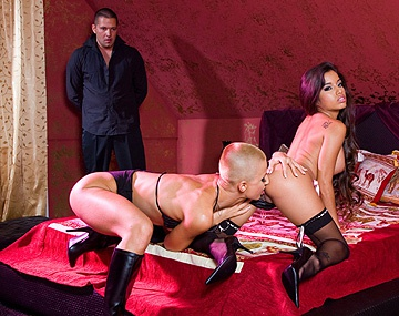 Private HD porn video: C.J en Zuleidy worden helemaal wild in deze bisexuele trio met cumswapping
