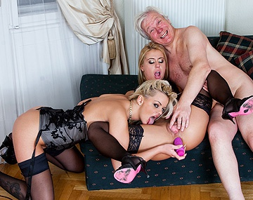 Private HD porn video: Nikky Thorne en Zafira May krijgen les van een oudere man