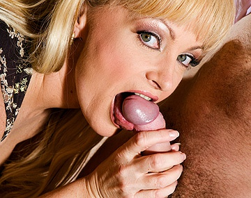 Private HD porn video: Blonde MILF Renata Enjoys Anal Sex after Giving Her Lover a Blowjob