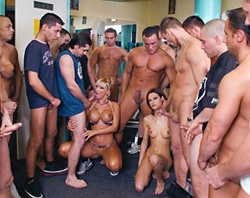 Private  porn video: Bukkake en el gimnasio