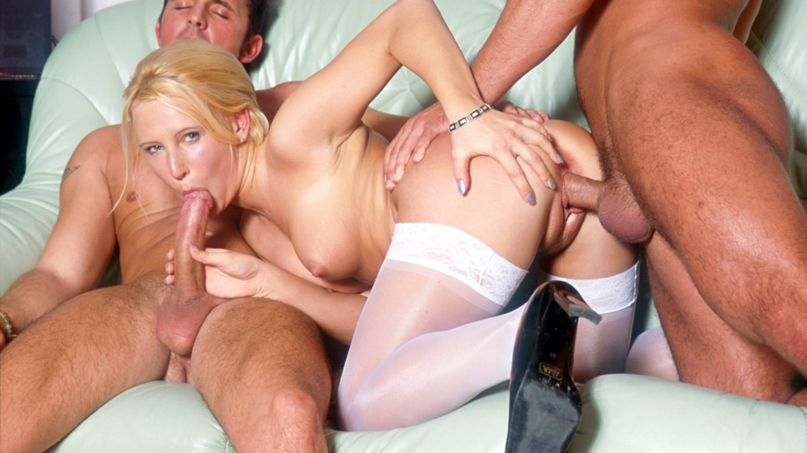 Blonde Wife Threesome Hd