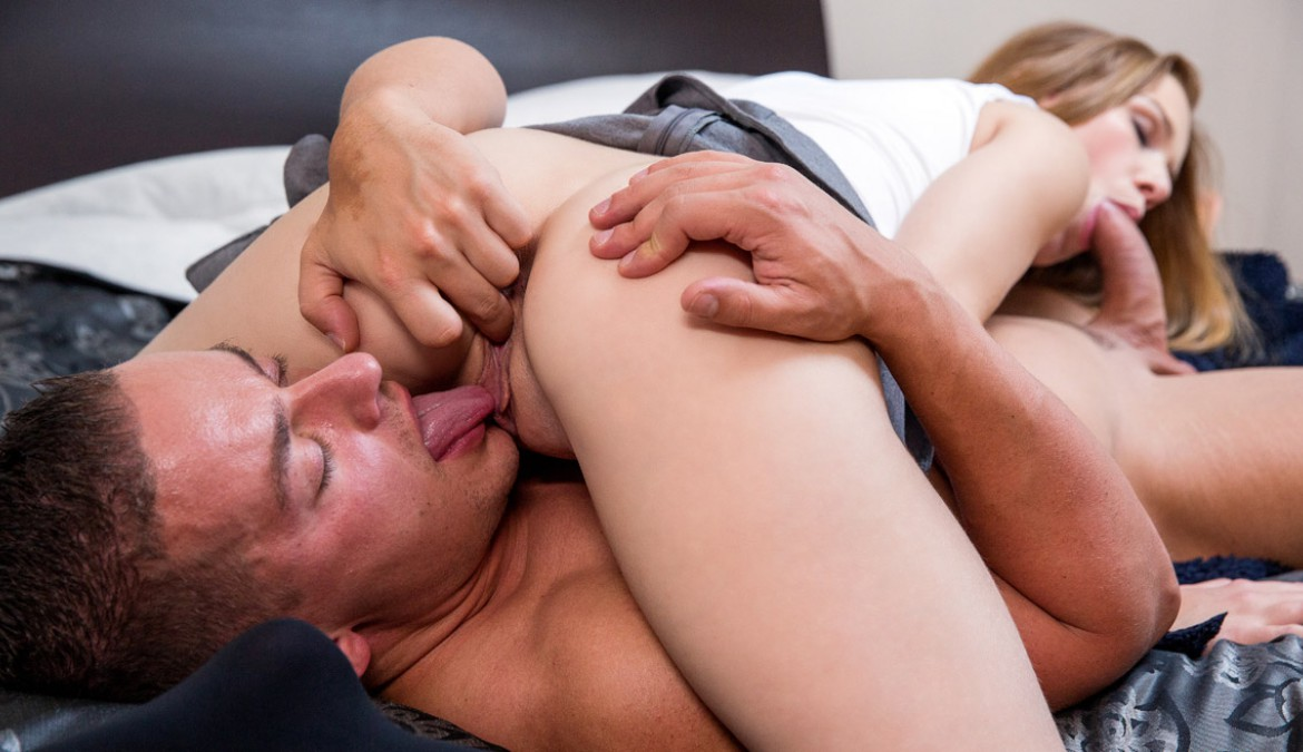 Cute Teen Alexis Gets Fucked on the Hotel Bed by an Older Boyfriend