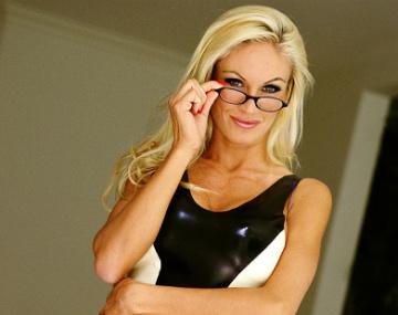 Private  porn video: MILF Harmony Grant eine blonde Schönheit auf die jeder Kommt