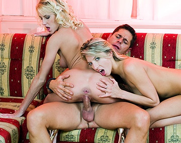 Private  porn video: ATM Blondes Janet Alfano & Justine Ashley Love to Cumswap