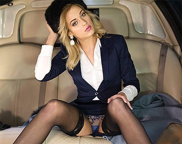 Private HD pon video: Classy New Cummer Ria Sunn Gets Destroyed in the Back of a Limo