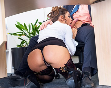 Private HD porn video: Julia Roca, secretaria servicial