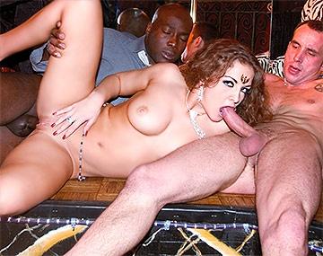 Private  porn video: Oksana D'Harcourt en un trío interracial con DP y creampie
