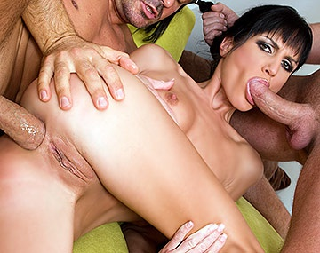 Private  porn video: Hardcore Star Sarah Twain Has All Holes Destroyed