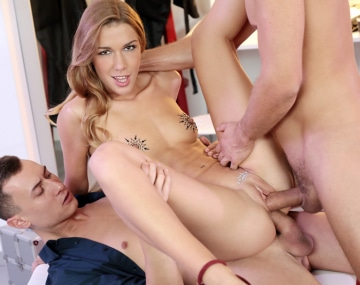 Private HD porn video: Alexis Crystal disfruta con una DP