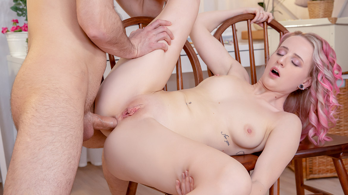 Hanna Rey, the Art of Anal